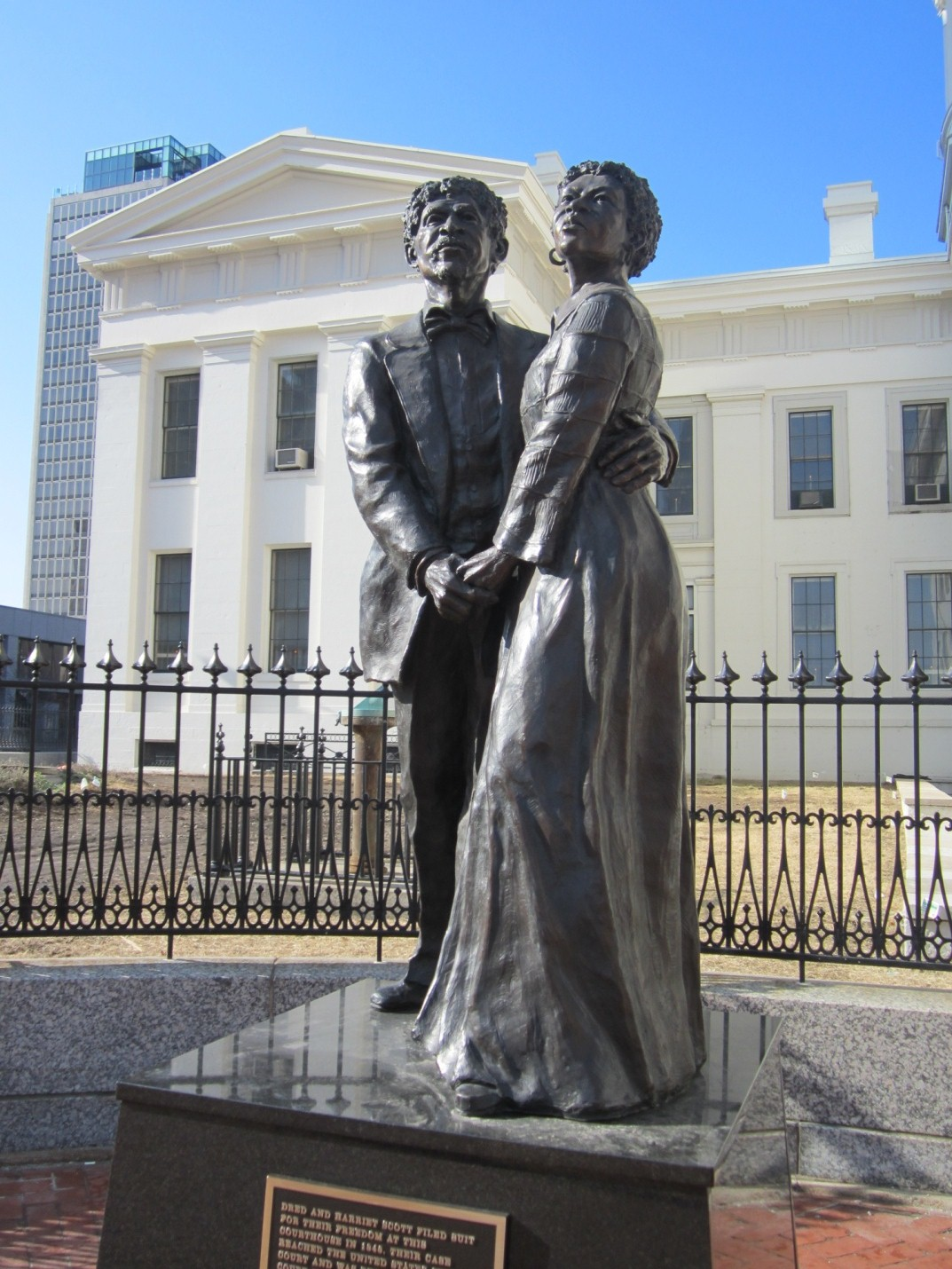 Dred & Harriet Scott Statue